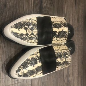 Slip on printed shoes